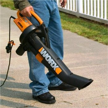 worx trivac is very easy to handle with its soft grip